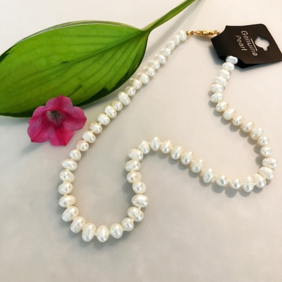 Jewelry - Genuine Pearl Necklace